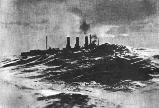 крейсер «Аврора» на переходе из Малаги в Пирей