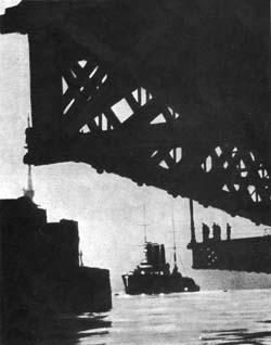 крейсер «Аврора» у Николаевского моста, 1917