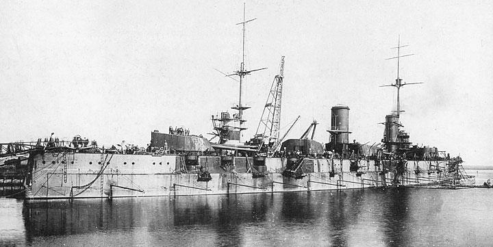 Линкор «Свободная Россия» (изначально носил название «Екатерина II», с 14.06.1915 г. переименован в