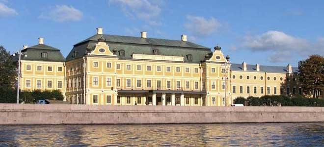 Здание Первого кадетского корпуса в Санкт-Петербурге (Меншиковский дворец)