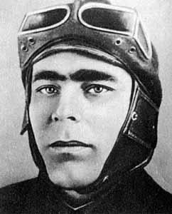 Леонид Брежнев – курсант бронетанковой школы