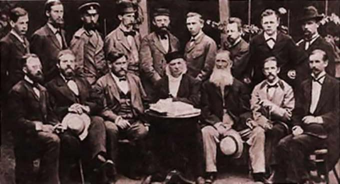 Сотрудники и стажёры Пулковской обсерватории (середина 1880-х годов)