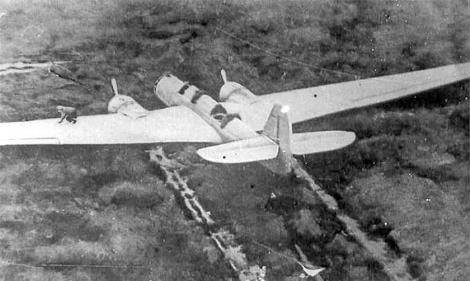 Самолет ДБ-2 «Родина» на месте вынужденной посадки, октябрь 1938